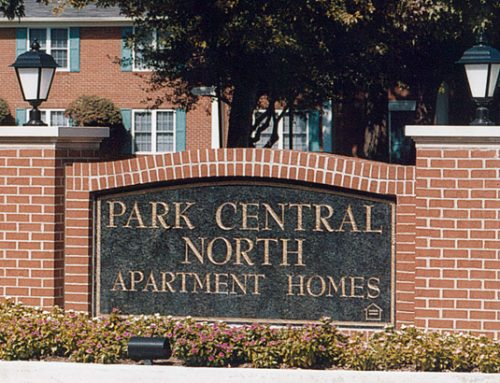 Park Central North – Monument Entry Sign